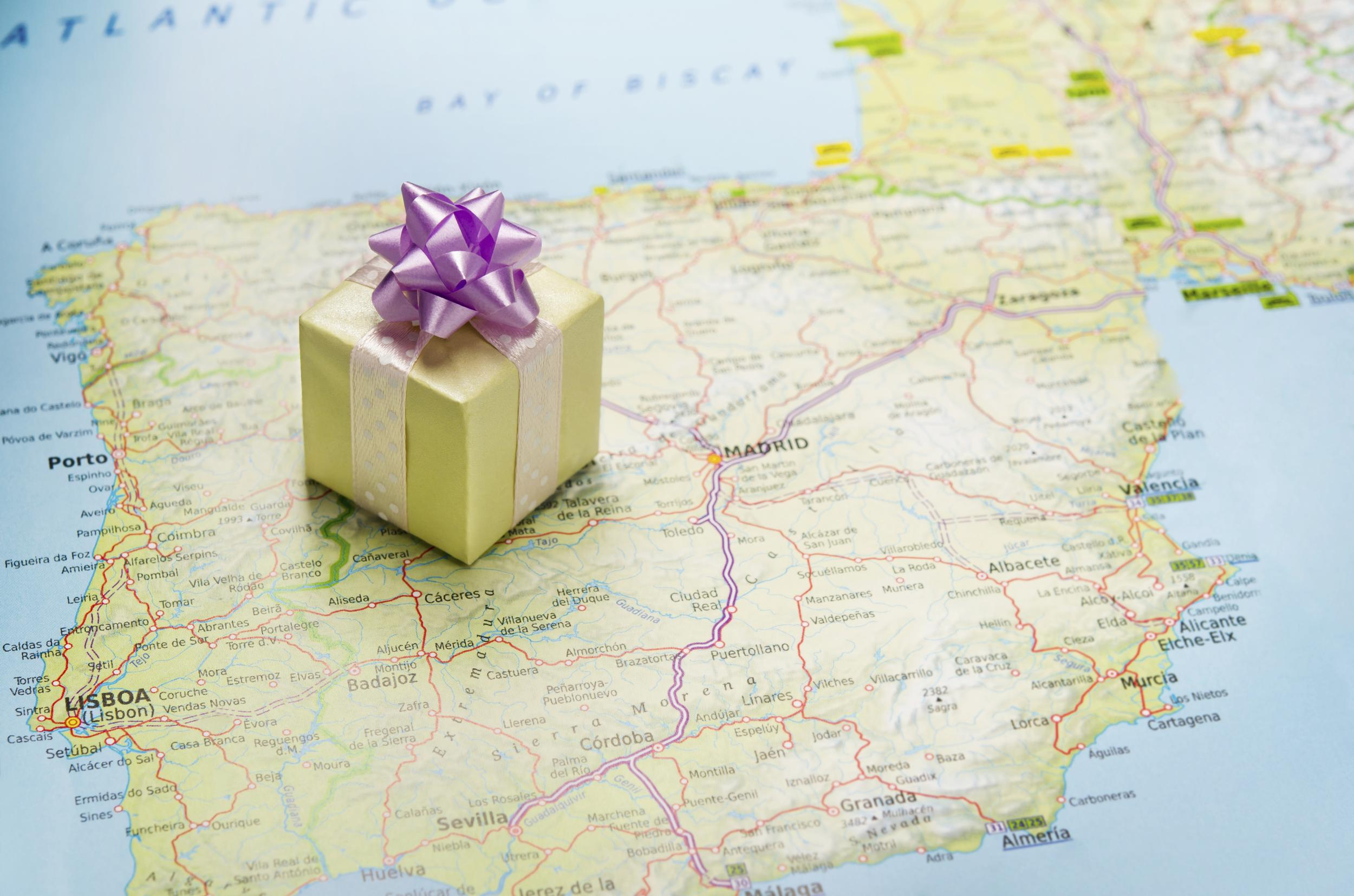 Holiday Gifts for Travelers (2014 Edition)