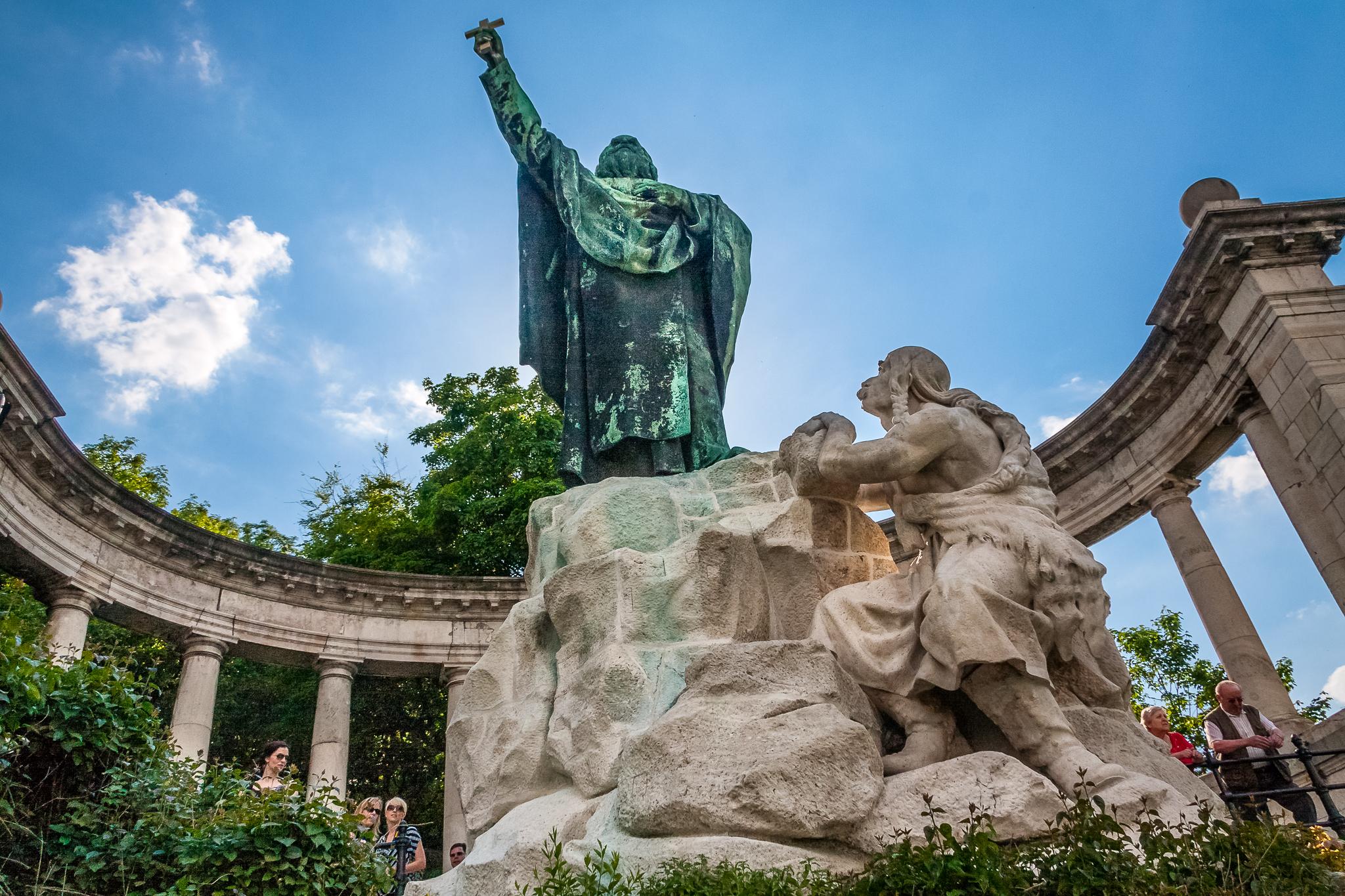Statue of St Gellert