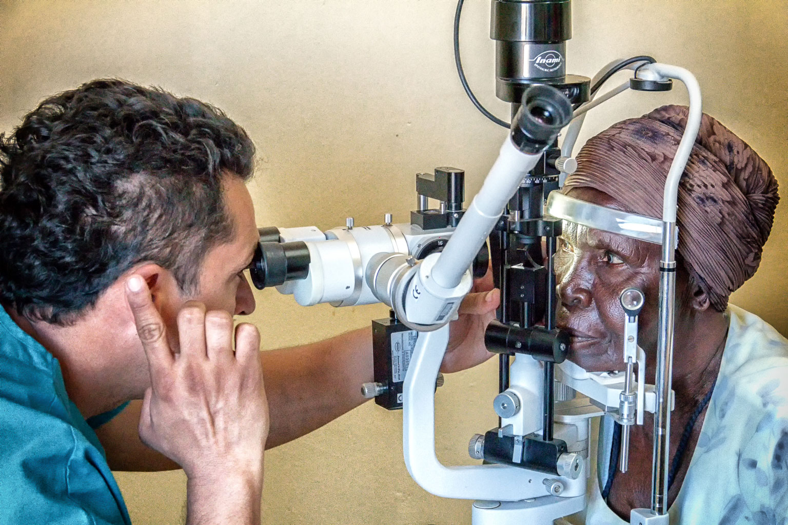 Prescreening for cataract surgery candidates.
